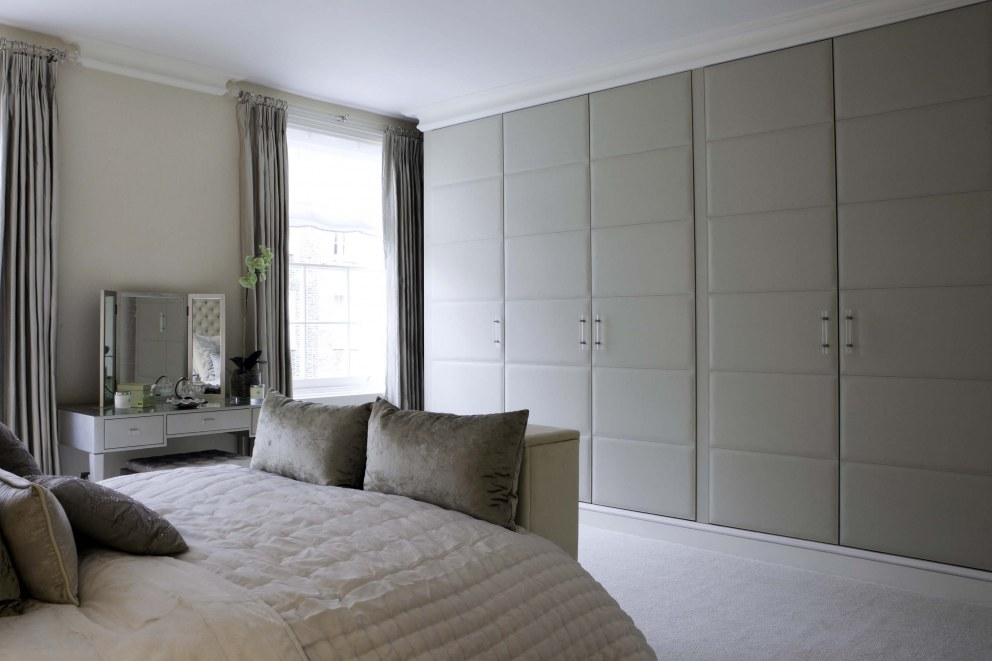 Georgian town house in central london master bedroom for Interior designers central london