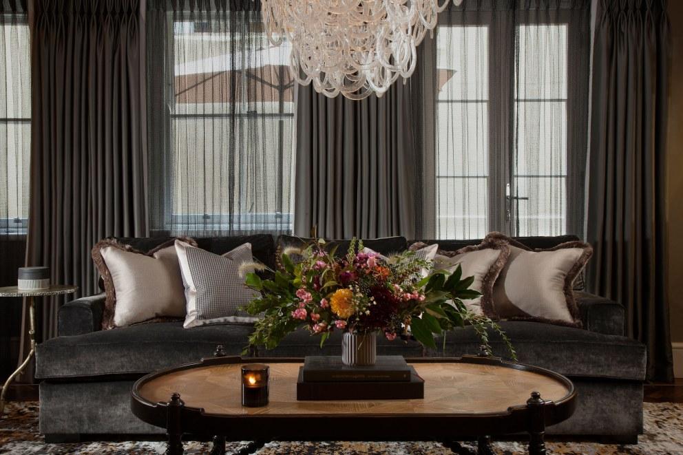 Central london residence living room interior designers for Interior designers central london
