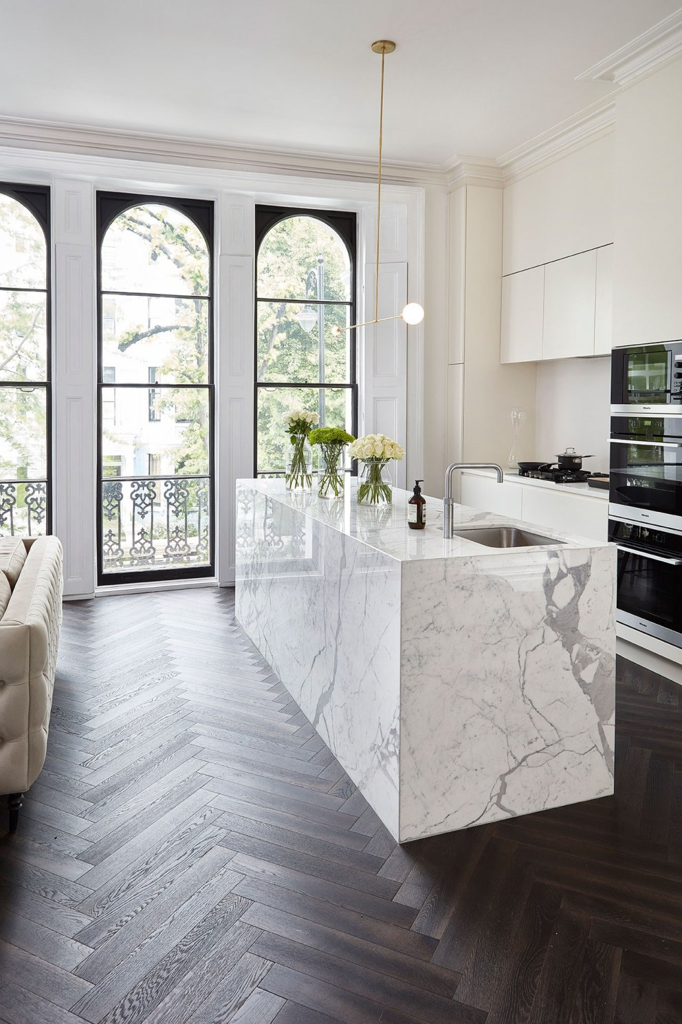 Notting Hill home | Kitchen Living 2 | Interior Designers