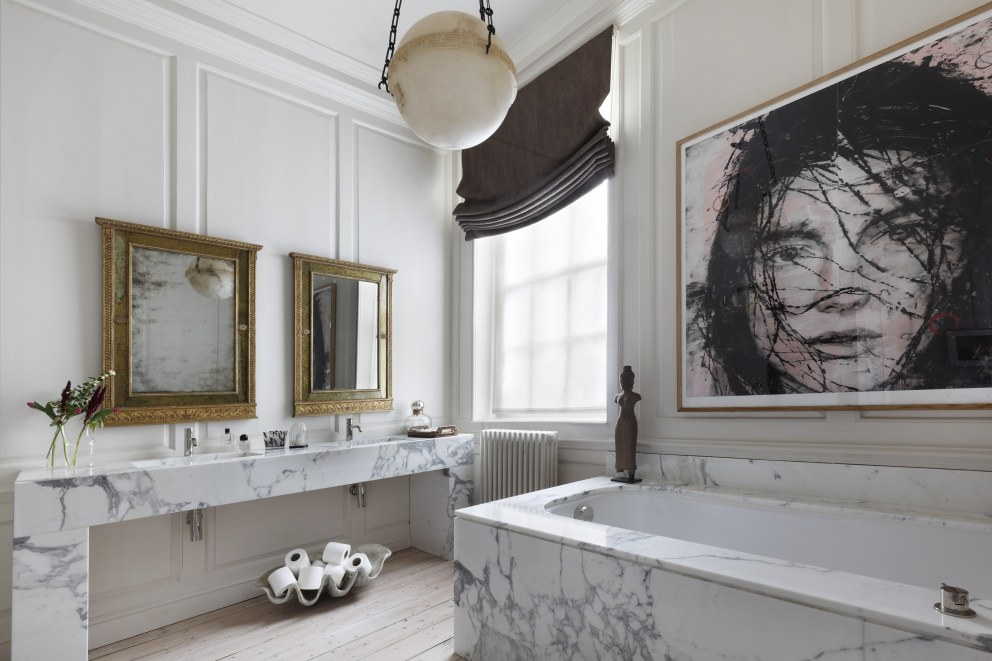 Kensington Square | Master Bathroom | Interior Designers
