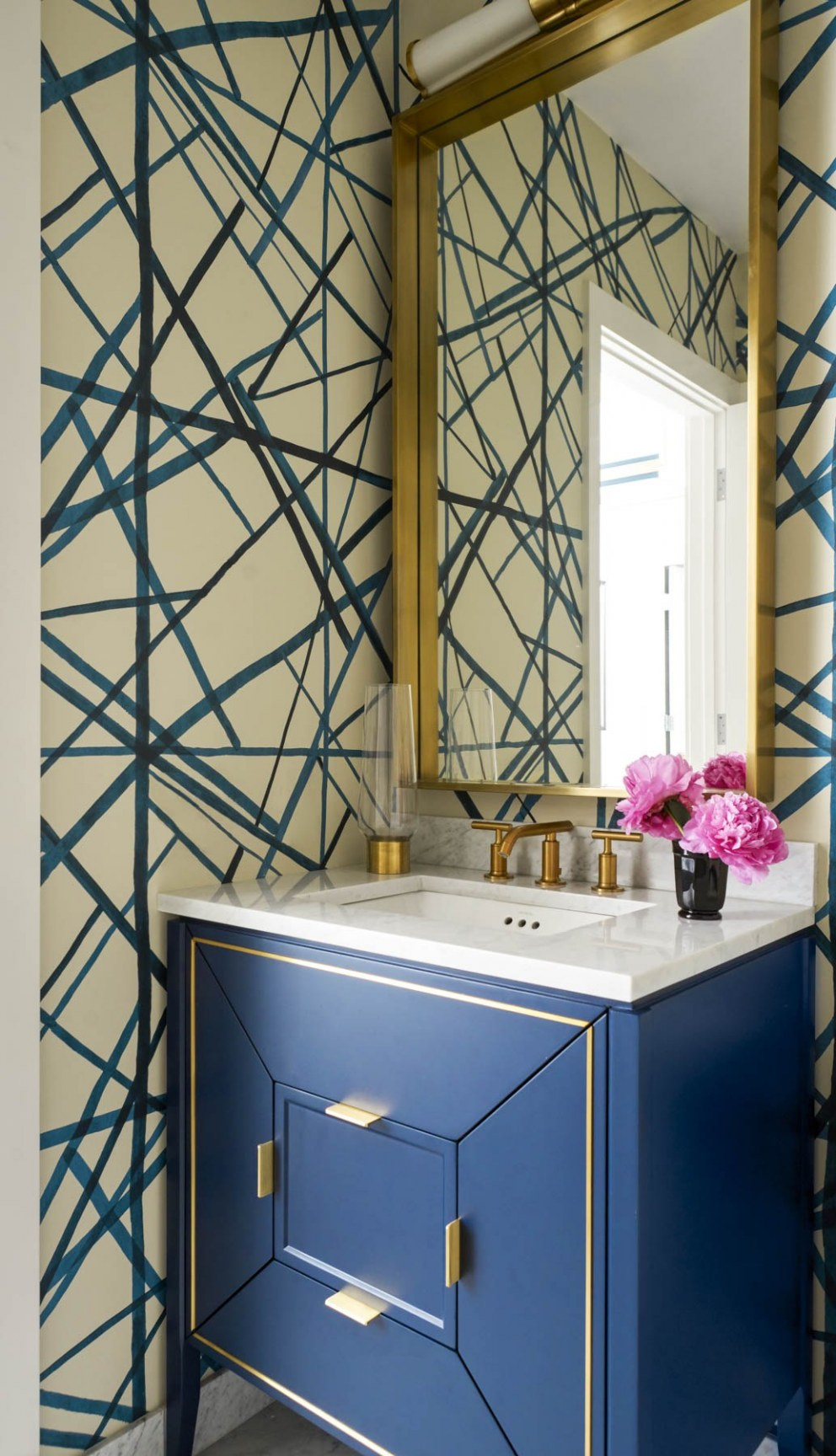 Penthouse: Luxury Living | Powder room | Interior Designers