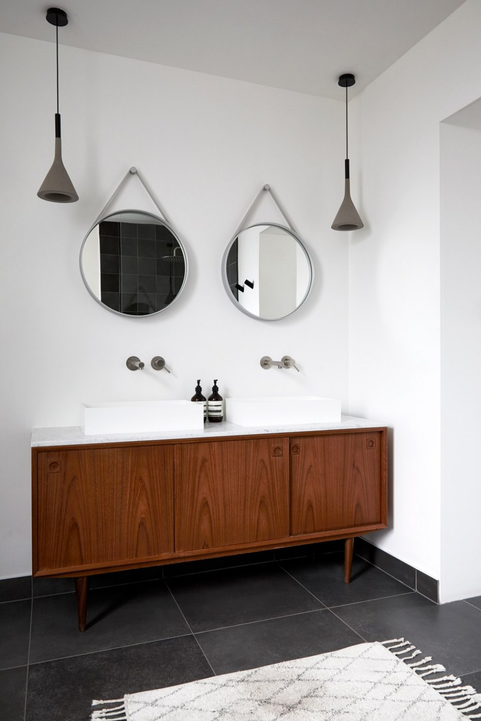 Brixton Townhouse II | Master bathroom basin area | Interior Designers