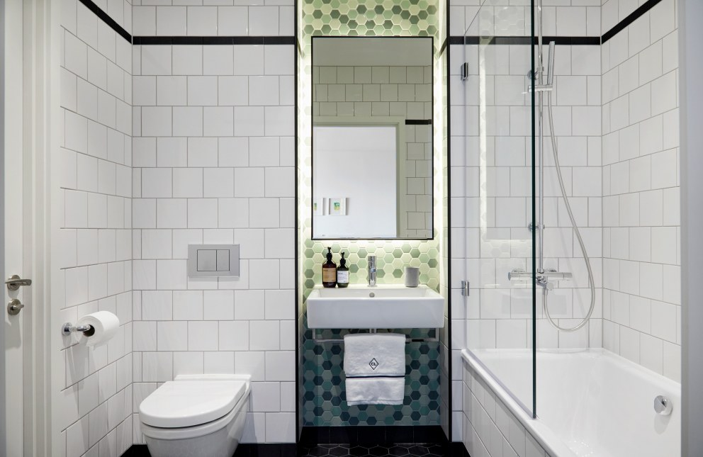 Bathroom Sleek Industrial Styled London City Island Apartment Interiordesigners Net