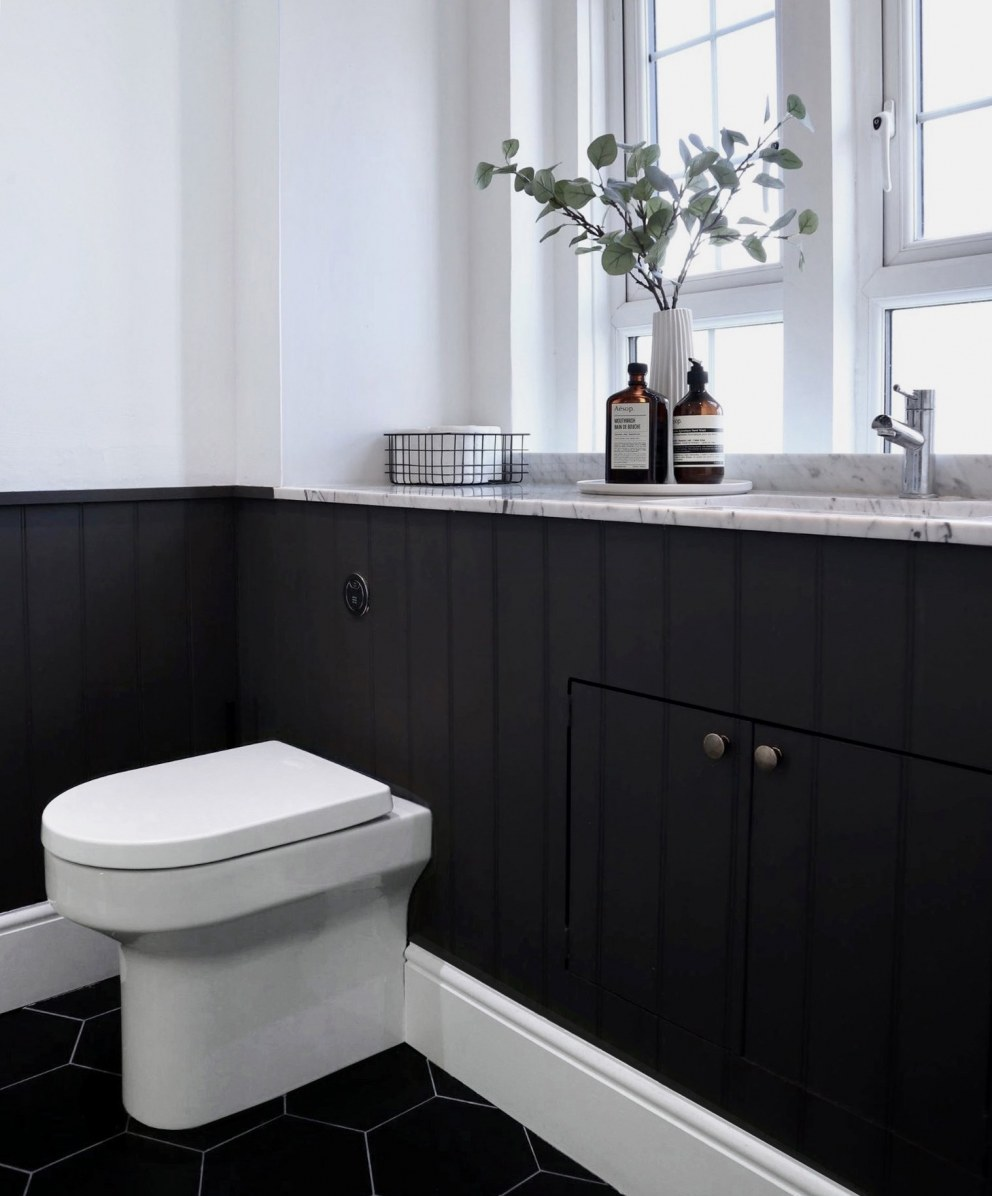 Earlsfield Apartment | Bathroom | Interior Designers