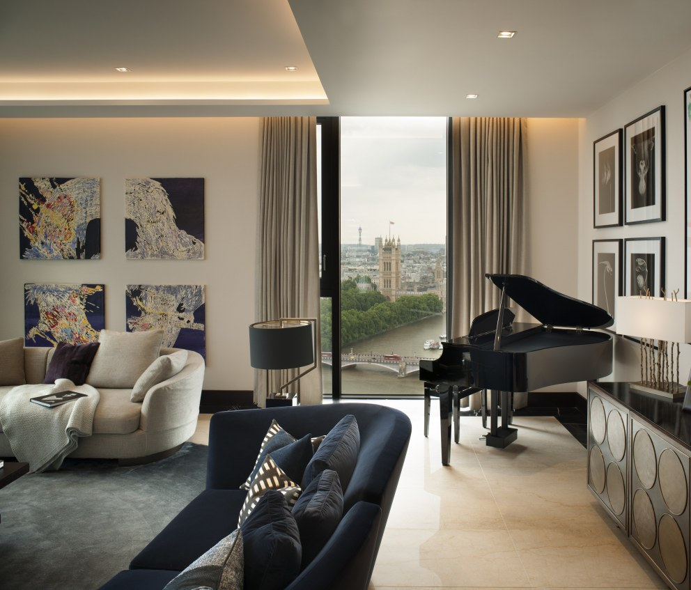 Corniche Penthouse B | Formal living room | Interior Designers