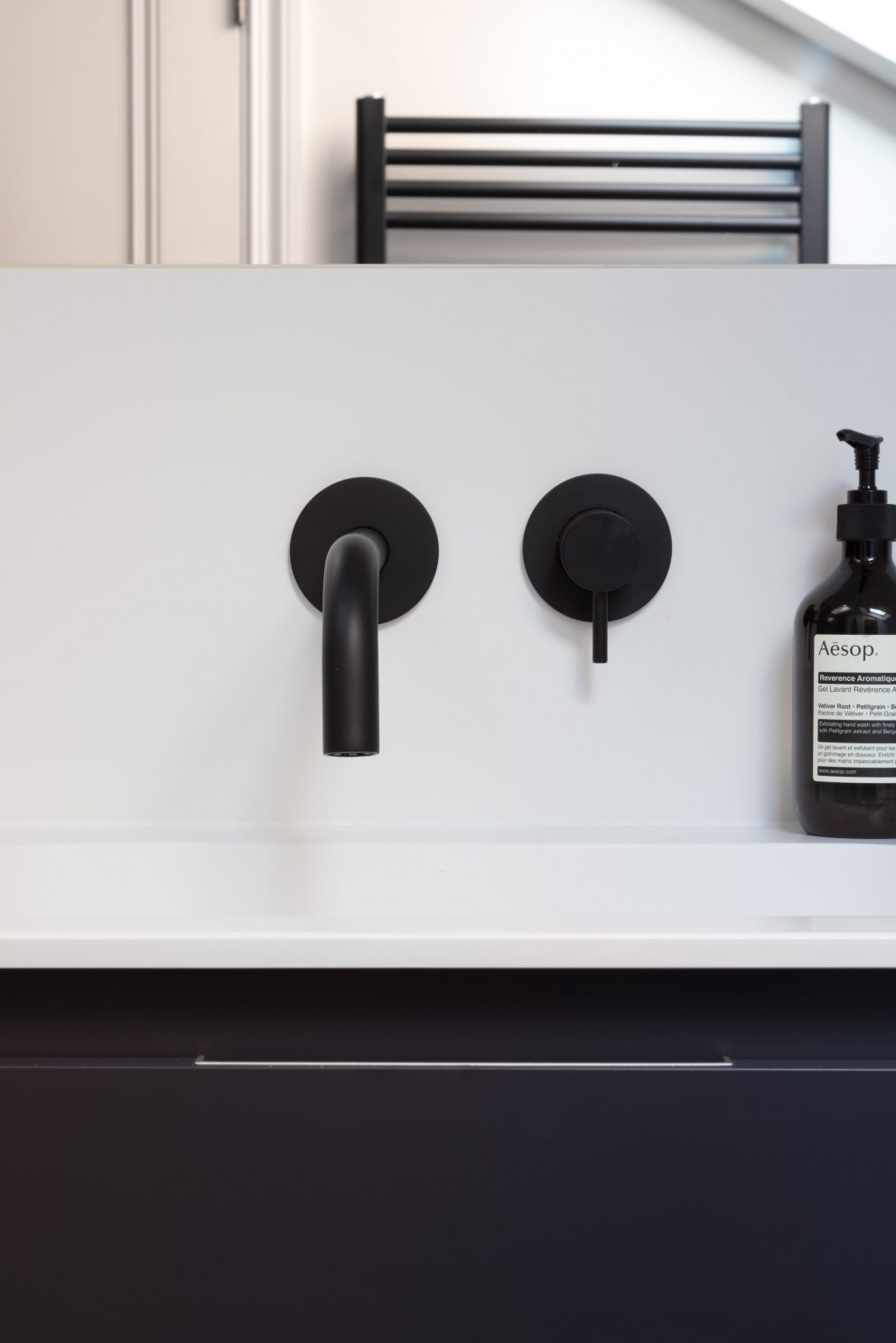 Hampstead III | Bathroom detail | Interior Designers