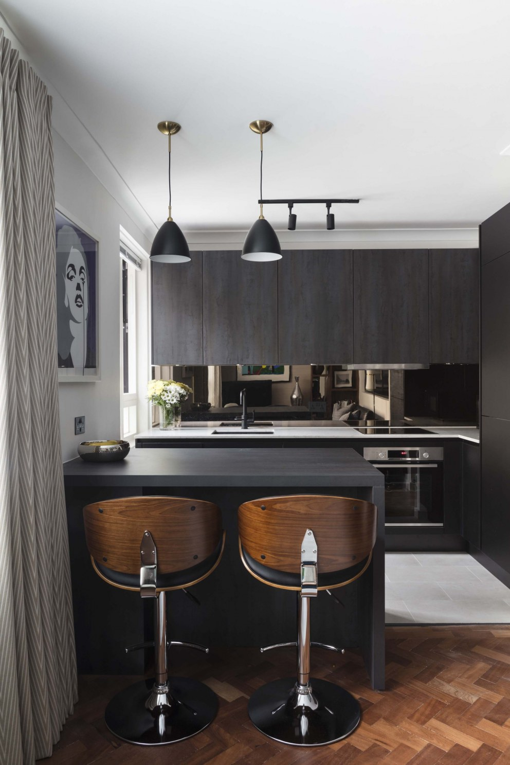London Pied a terre  | Kitchen Space | Interior Designers