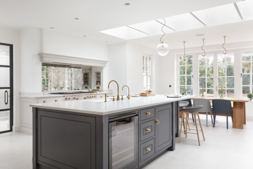 Hampstead I | Kitchen looking out | Interior Designers